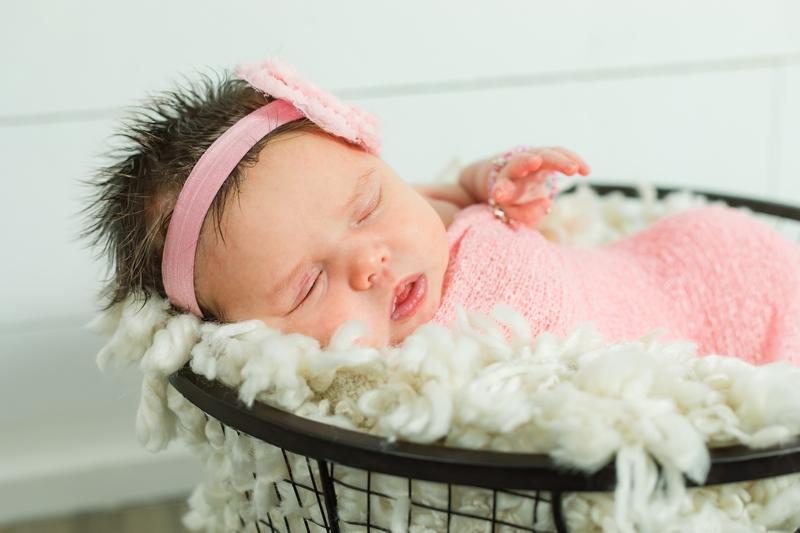 IMG 6646 - Newborn Photography {Paizlee}