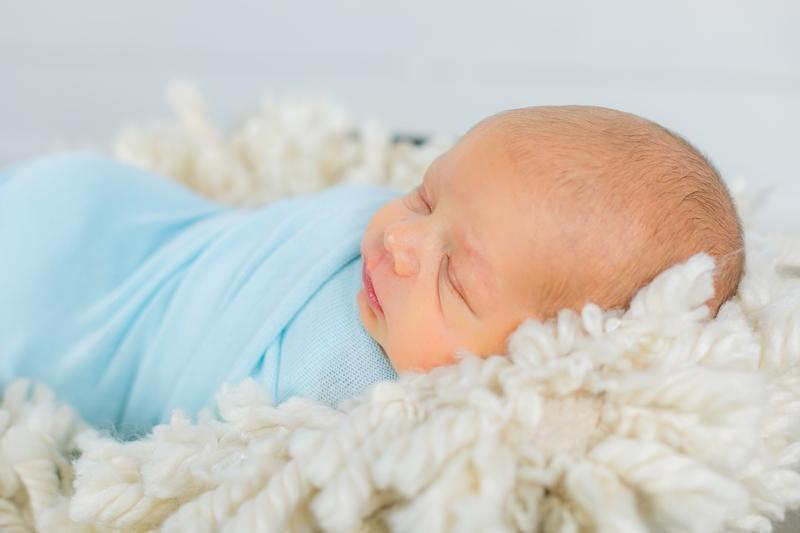 0W4A2399 - Newborn Photographer {Matthew}