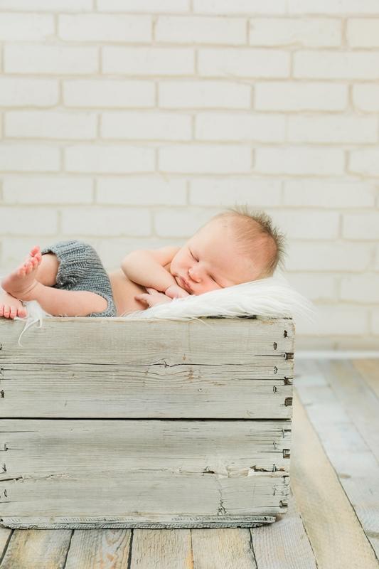 0W4A9238 - Newborn Photographer {Corey}