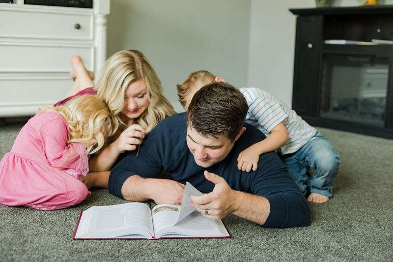 0W4A1398 2 1 - Lifestyle Photography | Erickson Family