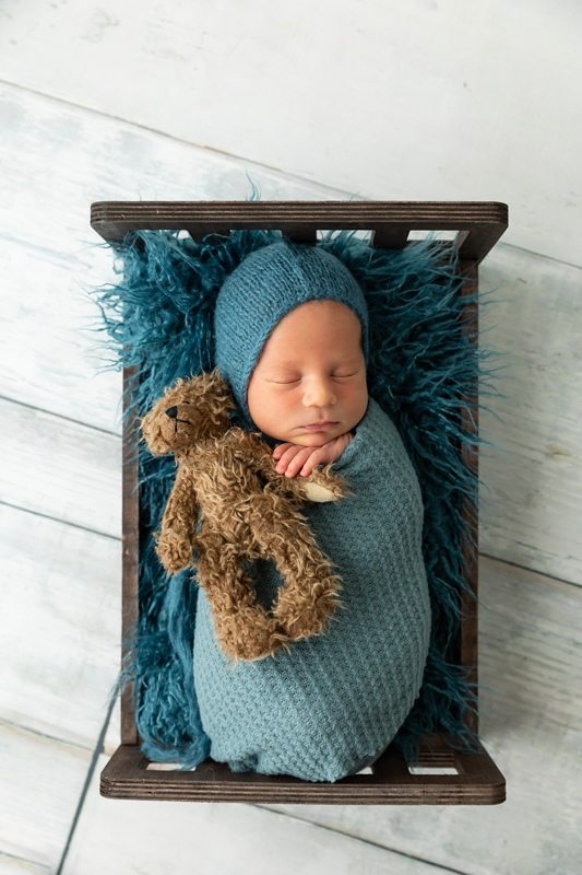m 035 - Newborn Portraits