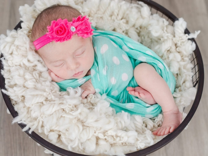 m 0W4A2354 705x529 - Newborn Portraits