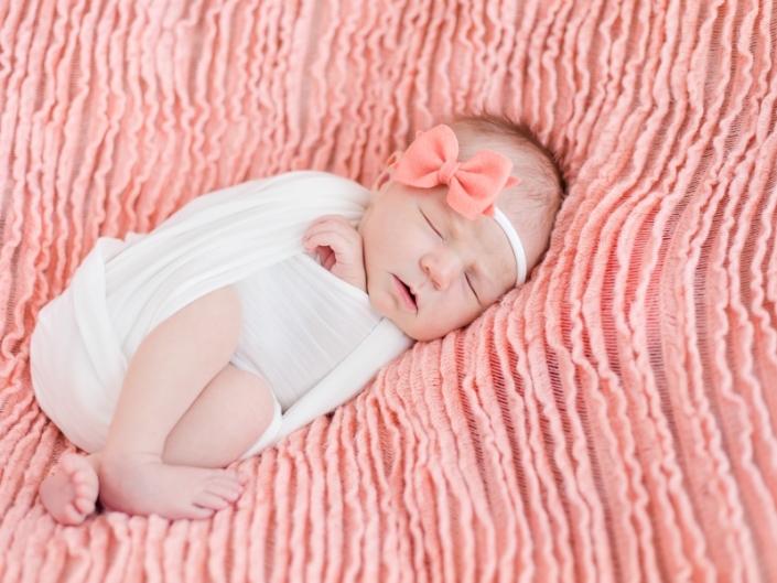 m 0W4A5043 705x529 - Newborn Portraits