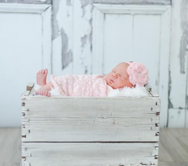 m IMG 7201 600x529 - Newborn Portraits