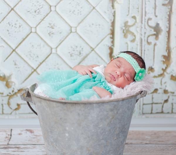 m IMG 9611 600x529 - Newborn Portraits