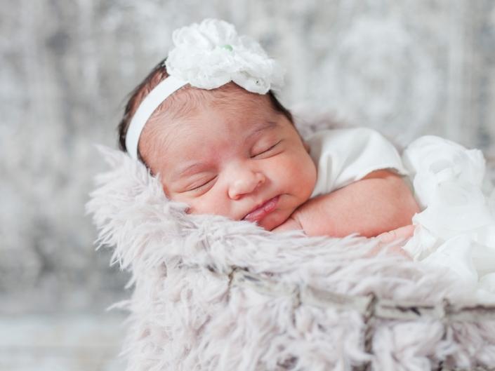 m IMG 9715 705x529 - Newborn Portraits