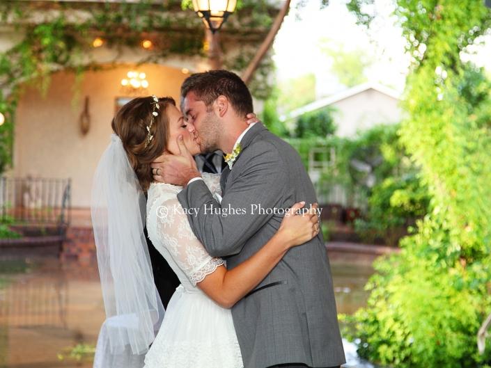 mw0219 705x529 - Wedding Photographers