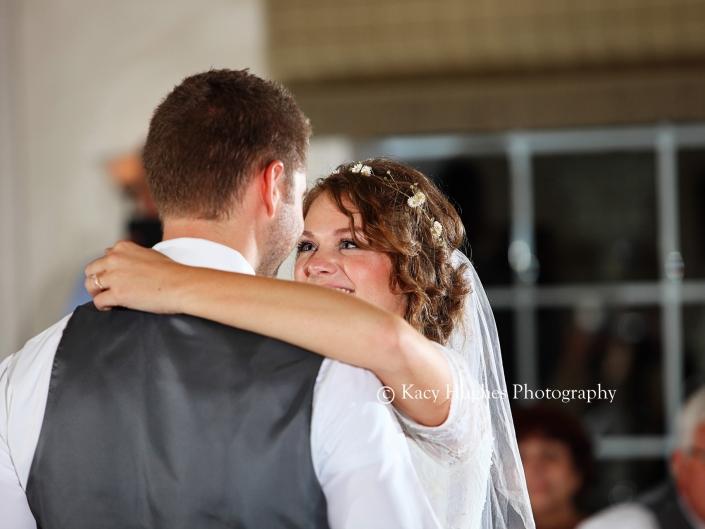 mw0490 705x529 - Wedding Photographers
