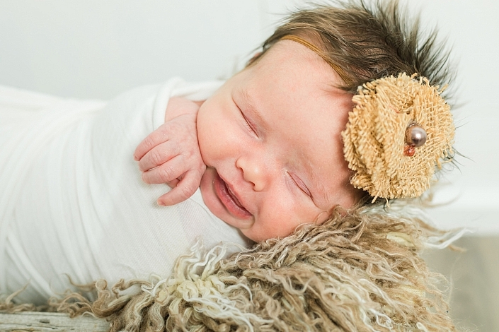 newborn photo in gilbert