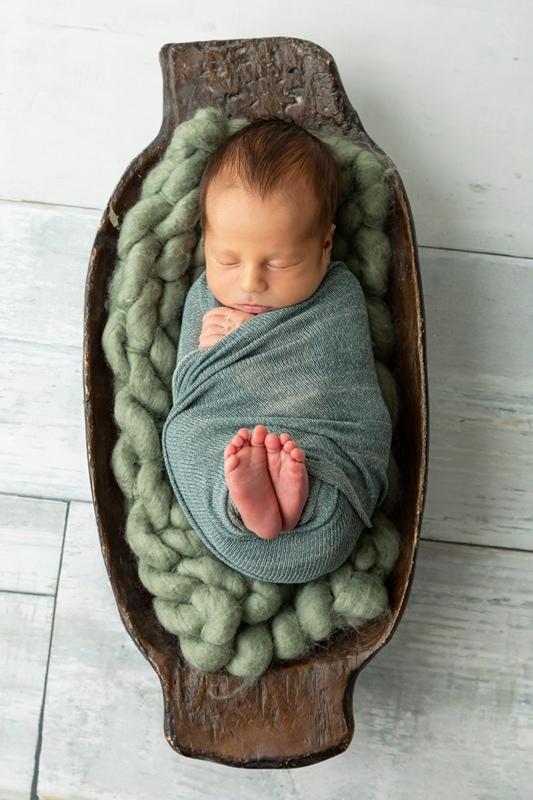 m 050 3 - Newborn Portraits