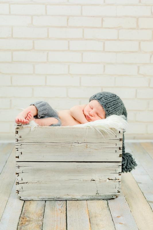 0W4A9200 - Newborn Photographer {Corey}